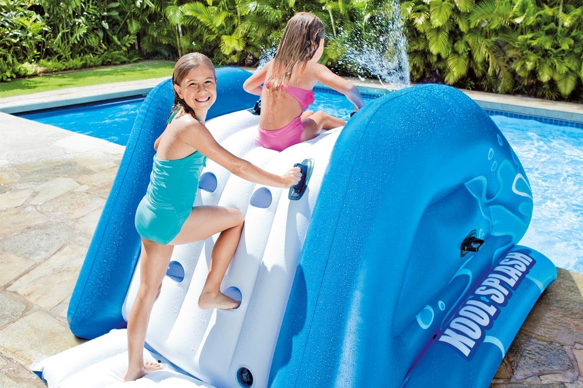Toboggan gonflable intex pour piscine enterr e jardideco for Toboggan intex piscine