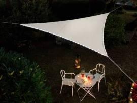Voile d'ombrage triangulaire à leds solaires 3,60 x 3,60 x 3,60 m