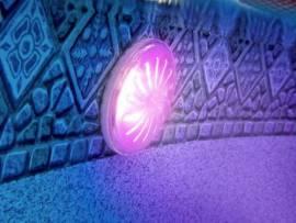 Spot projecteur eclairage piscine hors sol petit prix for Lumiere led piscine hors sol