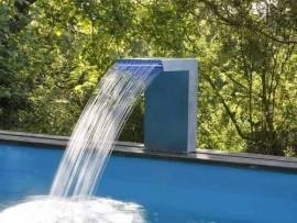 cascades ubbink avec led pour piscine bois et enterr e petit prix. Black Bedroom Furniture Sets. Home Design Ideas