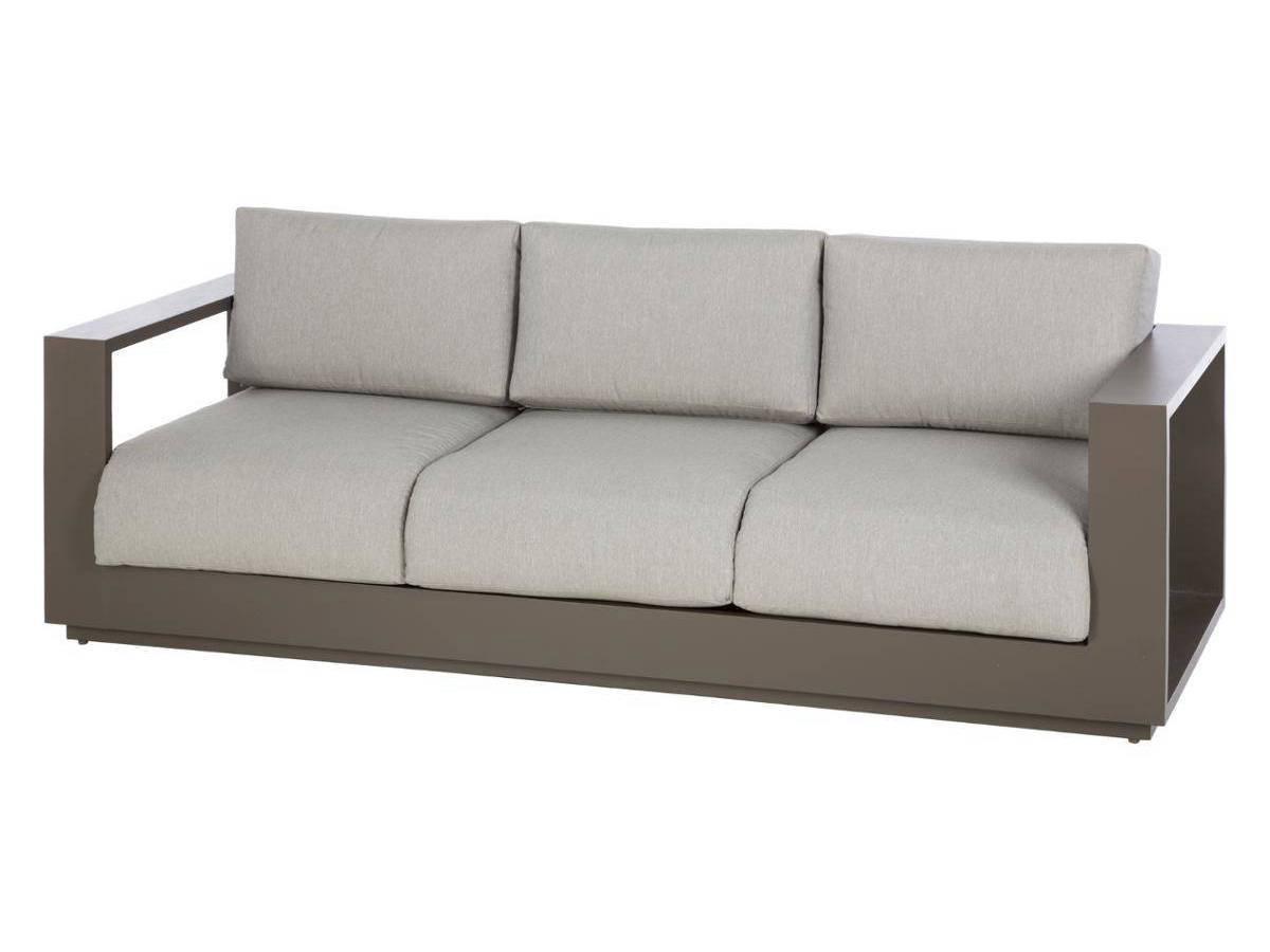 salon salon de jardin fin de saison meilleures id es pour la conception et l 39 ameublement du. Black Bedroom Furniture Sets. Home Design Ideas