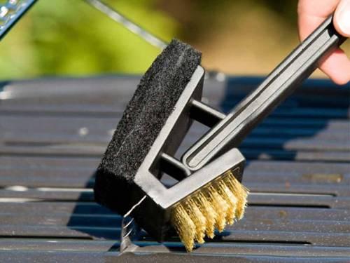 Les accessoires indispensables pour le nettoyage du barbecue plancha - Nettoyage grille barbecue weber ...