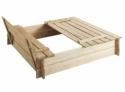 Bac à sable carré avec bancs intégrés
