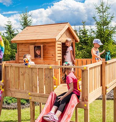 aire de jeux ext rieures pour enfant portiques balan oires. Black Bedroom Furniture Sets. Home Design Ideas