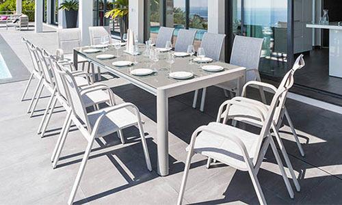 Emejing salon de jardin en aluminium hesperide images for Table extensible axiome