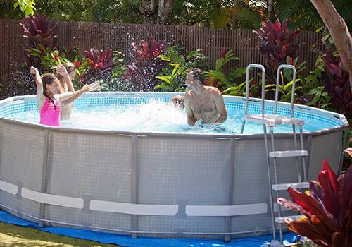 Tous les accessoires indispensables pour votre piscine hors sol - Choix piscine hors sol ...