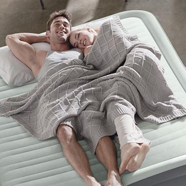 matelas gonflable intex et lit d 39 appoint 1 ou 2 personnes. Black Bedroom Furniture Sets. Home Design Ideas