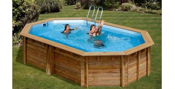 que mettre sous une piscine hors sol cheap piscine protge par une bche dhiver recouverte dune. Black Bedroom Furniture Sets. Home Design Ideas