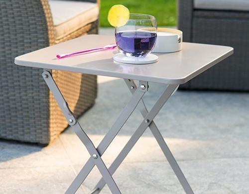 table de jardin pliante et d 39 appoint pour ext rieur. Black Bedroom Furniture Sets. Home Design Ideas