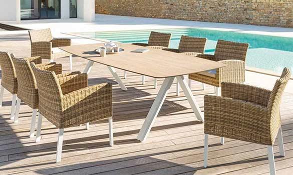Choisir son salon d\'extérieur : résine tressée, aluminium, bois