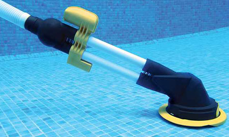 Balai de piscine automatique sur filtre zappy jardideco for Pompe aspirateur piscine