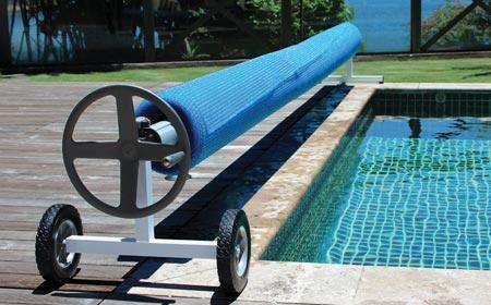 Enrouleur de b che 10 x 5 m pour piscine enterr e jardideco for Enrouleur bache piscine semi enterree