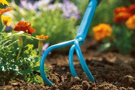 Griffe de jardin piocheuse outils gardena jardideco - Griffe de jardin ...