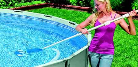 kit d 39 entretien piscine intex mod le deluxe prix mini. Black Bedroom Furniture Sets. Home Design Ideas