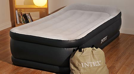 matelas gonflable lectrique rest bed 1 place intex deluxe. Black Bedroom Furniture Sets. Home Design Ideas