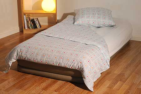 taille standard matelas maison design. Black Bedroom Furniture Sets. Home Design Ideas