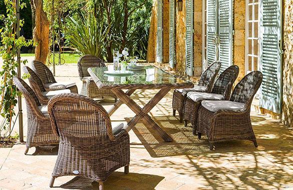 Salon de jardin Hesperide en résine tressée modèle Betong
