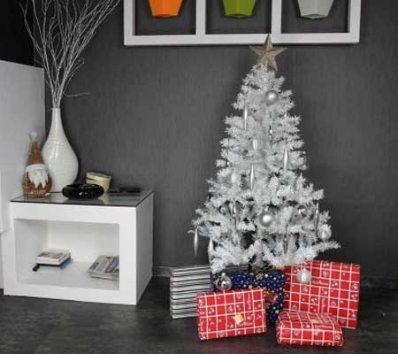 sapin de noel artificiel pas cher blanc de luxe jardideco. Black Bedroom Furniture Sets. Home Design Ideas