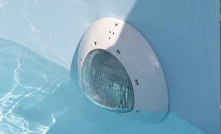 Eclairage piscine spot led pour piscine bois ubbink 24w for Spot piscine led